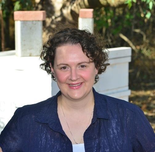 Extension apiculturist Elina Lastro Niño