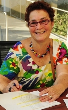 Amina Harris, director of the UC Davis Honey and Pollination Center (Photo by Kathy Keatley Garvey)