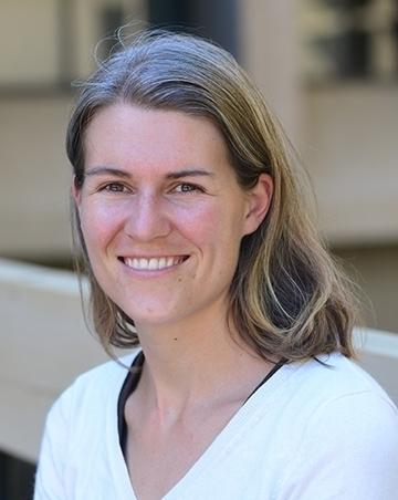 Community ecologist Rachel Vannette of UC Davis