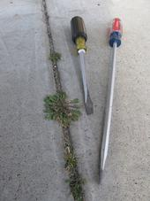 A Low-Cost way to Remove Weeds in Crevices