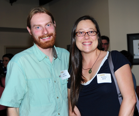 Marek Borowiec of the Phil Ward lab and Kimiora Ward of the Neal Williams lab. (Photo by Kathy Keatley Garvey)