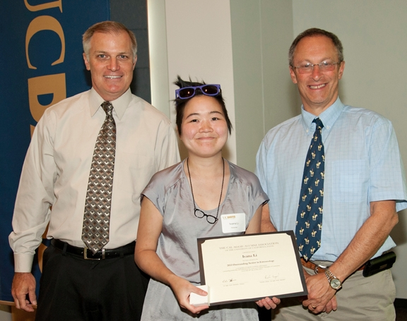 Ivana Li (center) with Provost Ralph Hexter (right) and Richard Engle, CAAA director. (Photo Gregory Urquiaga, UC Davis)