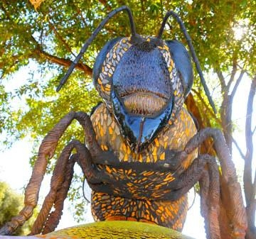 Close-up view of head of sculpture at the Häagen-Dazs Honey Bee Haven.