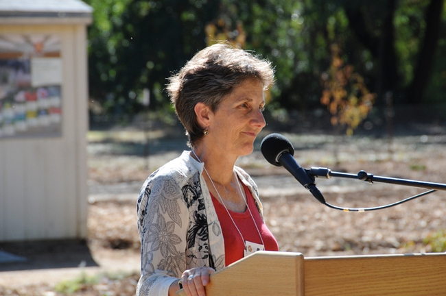 Lynn Kimsey addressing the opening of the Haagen-Dazs Honey Bee Haven. She founded and coordinated the project. (Photo by Kathy Keatley Garvey)