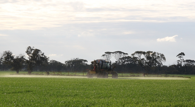 Spraying of agricultural field in western Australia. (Photo by Christian Nansen)