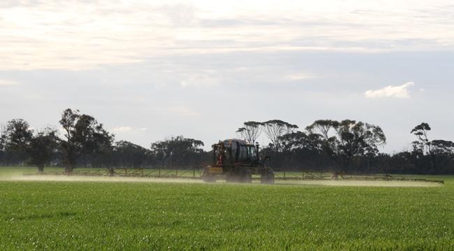 Spraying of agricultural field in western Australia. (Photo by Christian Nansen) western Australia.