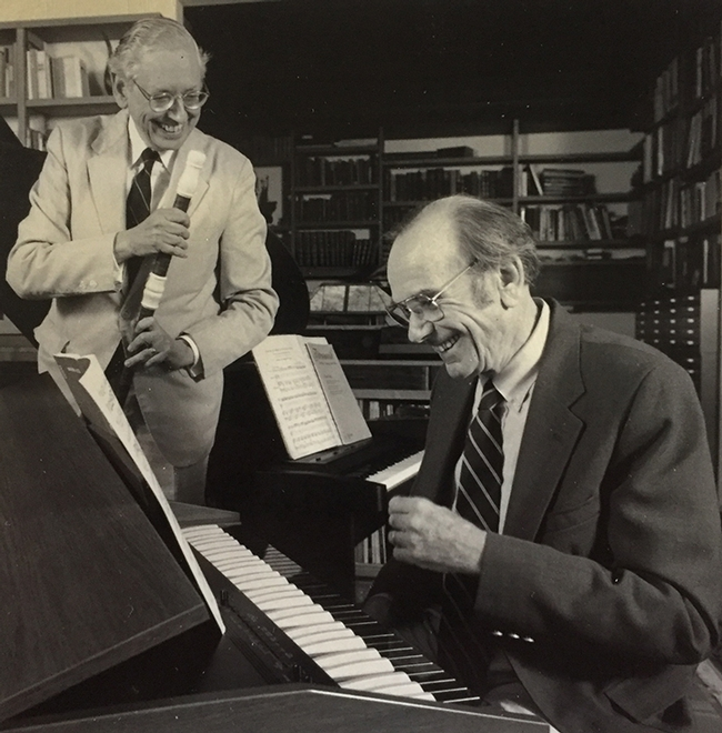 Musicians and scientific collaborators Tom Eisner (1929-2011) in front, and Jerrold Meinwald (1927-2018). Eiser was an accomplished classical pianist, and Meinwild, a flutist.