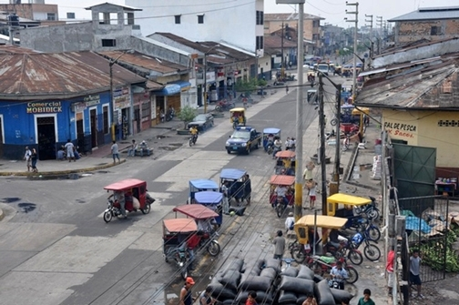 Street scene, Iquito, Peru, a city where Thomas Scott conducts his research on dengue. (Photo courtesy of the Thomas Scott lab)