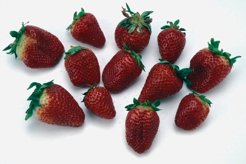 Cleaned strawberries ready to be prepped