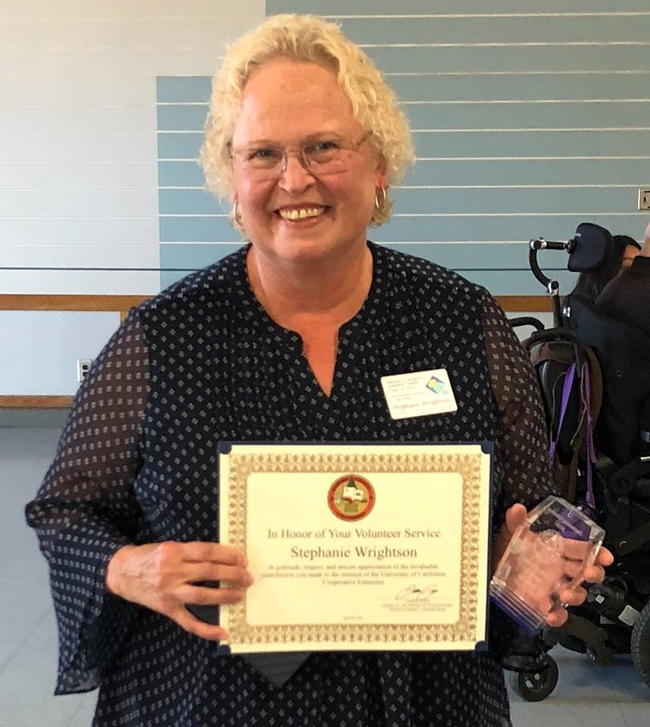 The Sonoma County Board of Supervisors recently recognized Stephanie Wrightson with the 2018 Volunteer of the Year Award for her exceptional contributions as a UC Master Gardener volunteer in Sonoma County!