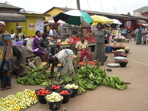 Kumasi-retail produce market