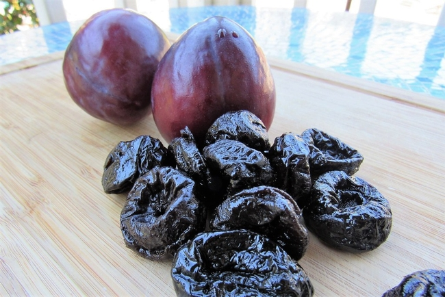 Plums and Prunes (healthy-inspiration.com)