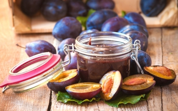 Damson Plums are Small With a Large Pit and Make Tasty Jam (rnz.co.nz)