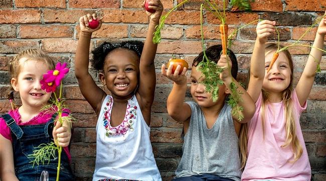 Gardening with kids. (outdoorfamiliesonline.com)