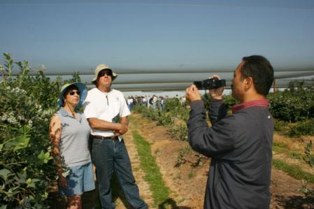 Blueberry Field Day 2008: Lucas filming